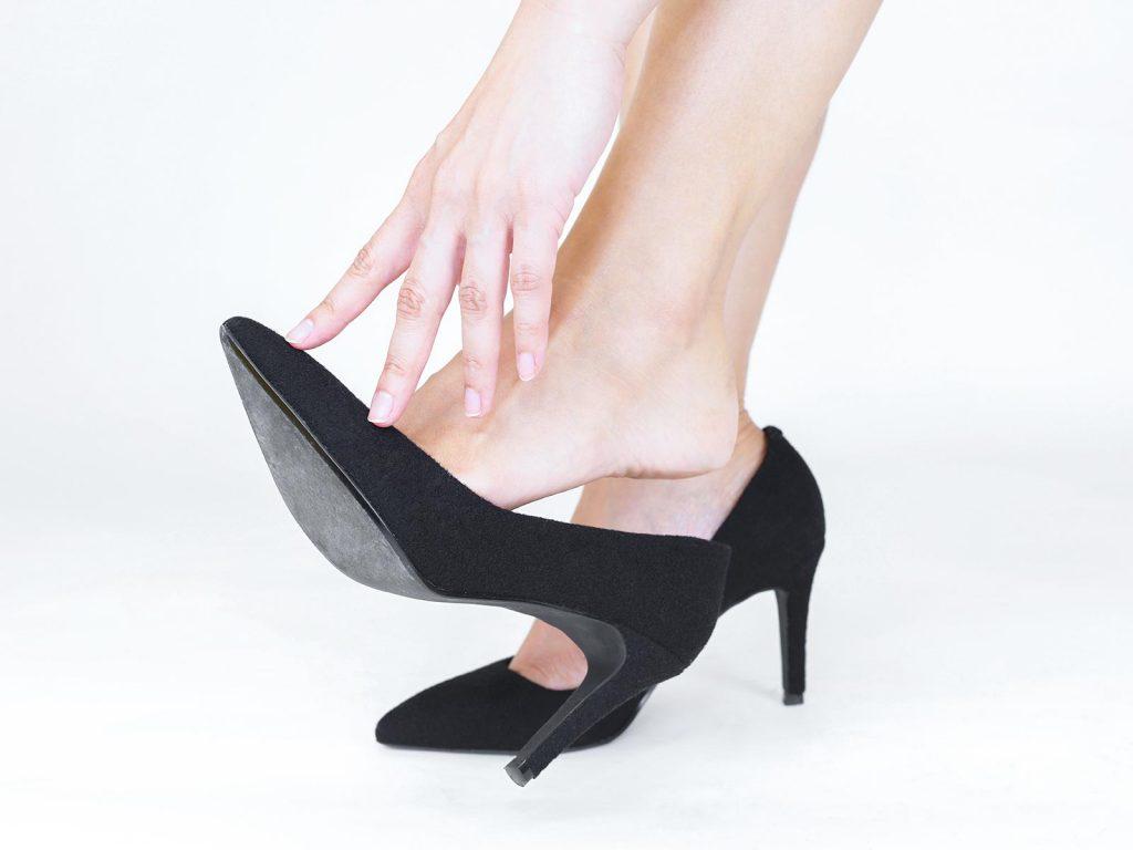 「足のトラブル」は靴の選び方が原因だった?