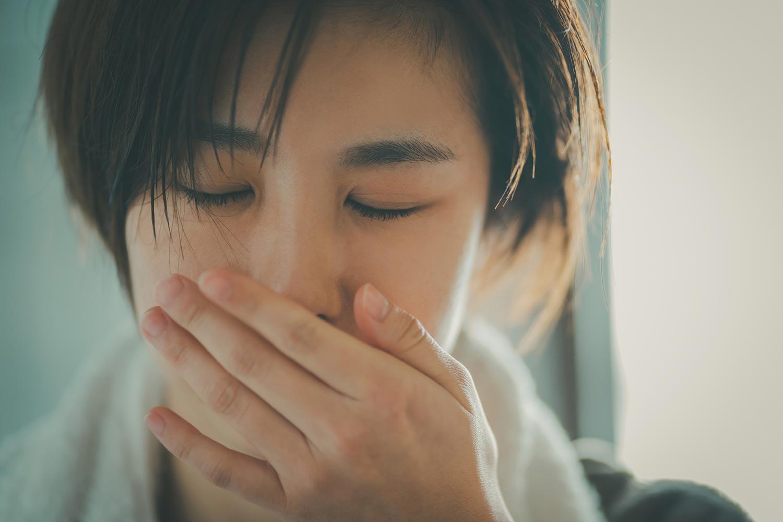 鼻づまりが気になったら、鼻水の特徴をチェックしましょう